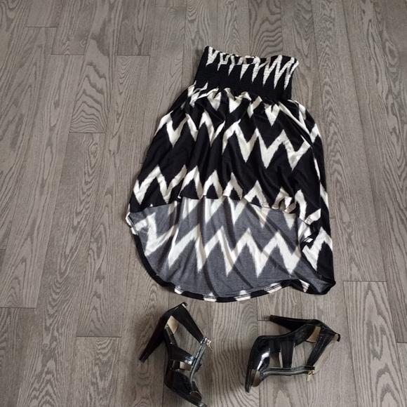 👠👠Nicenblack and white strechy dress by Atdene